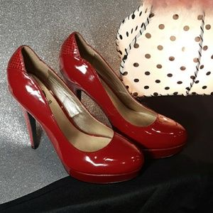 GUESS RED PATENT LEATHER HEEL